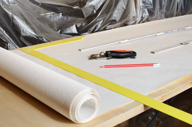 anleitung ecken tapezieren schritt f r schritt erkl rt. Black Bedroom Furniture Sets. Home Design Ideas